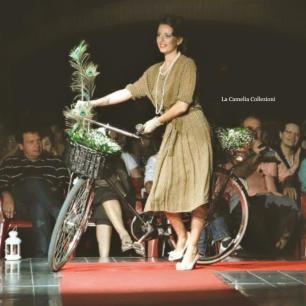 bellezze in bicicletta anni 40 - la camelia collezioni